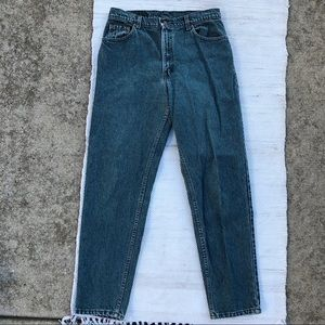 Vintage red tag Levi's high waisted mom jeans